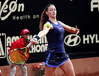 BOGOTÁ -COLOMBIA, 11-04-2018:Mariana Duque de Colombia perdió con la rumana Ana Bogdan   ,durante el Claro Open Colsánitas WTA  international event que se juega en El Club Los Lagartos al norte de la Capital ./  Mariana Duque (Col) lost with the Romanian Ana Bogdan , during the Claro Open Colsánitas WTA international event that is played at El Club Los Lagartos north of the Capital. Photo: VizzorImage/ Felipe Caicedo / Staff