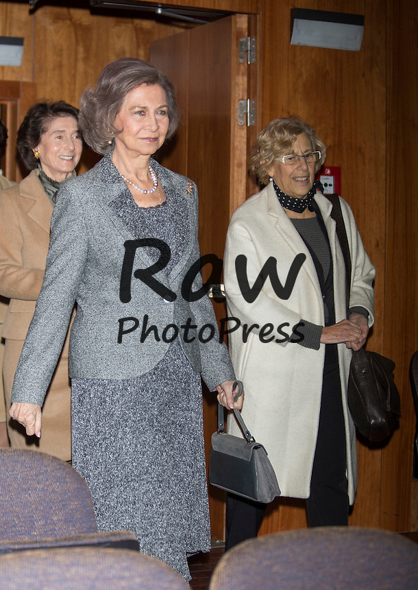 La Reina Do&ntilde;a Sof&iacute;a ha presidido la reuni&oacute;n del Patronato de la Escuela Superior de M&uacute;sica Reina Sof&iacute;a en Madrid junto con la alcaldesa de la ciudad, Manuela Carmena, y el pol&iacute;tico Alberto Ruiz Gallard&oacute;n.<br /> <br /> Queen Sofia has attended a meeting of Queen Sofia Music School Board along with Madrid mayor Manuela Carmena and former Minister for Justice Alberto Ruiz Gallardon in Madrid on December 11th, 2015.