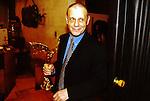 Garri Bardin (Bardenshteyn) - soviet, russian animator, director, animator, screenwriter and actor. 2000. | Гарри Бардин (Барденштейн) -<br /> советский, российский художник-мультипликатор и актёр на вручении премии &quot;Ника&quot; 2000 год.