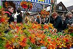 Lipnica Murowana, 2010-03-28. Kiermasz z bukietami suszonych kwiatów w Niedzielę Palmową w Lipnicy Murowanej