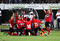 CUCUTA - COLOMBIA -01-02-2015: Los jugadores de Cucuta Deportivo, celebran el gol anotado al Atletico Junior, durante  partido Cucuta Deportivo y Atletico Junior,  por la fecha 1 de la Liga de Aguila I 2015 en el estadio General Santander en la ciudad de Cucuta / The players of Cucuta Deportivo, celebrate a scored goal to Atletico Junior during a match Cucuta Deportivo and Atletico Junior for date 1 of the Liga de Aguila I 2015 at General Santander stadium in Cucuta city. Photo: VizzorImage  / Manuel Hernandez / Str.