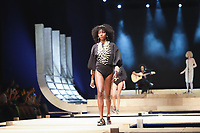 BELO HORIZONTE, MG, 09.04.2019- MINAS-TREND - Modelo durante desfile da Trendbijoux By Sindijoias MG,  na 24ª edição, do Minas Trend - primavera verão 2020, no Expominas, em Belo Horizonte (MG), nesta terça-feira, 09. (Foto: Doug Patricio/Brazil Photo Press/Folhapress)