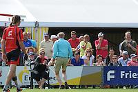 KAATSEN: BOLSWARD: 14-07-2013, discussie over de bal in of uit, Cornelis Terpstra (Koning) won de heren hoofdklasse wedstrijd met Tjisse Steenstra en Jacob Wassenaar, ©foto Martin de Jong