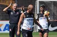 SÃO PAULO,SP, 14.09.2013 TREINO/CORINTHIANS/SP - Tite e Fabio Santos  durante treino do Corinthians no CT Joaquim Grava na zona leste de Sao Paulo. (Foto: Alan Morici /Brazil Photo Press).