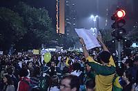 SAO PAULO, SP, 19 de junho 2013-Protesto de reducao da tarifa de onibus na Av Paulista. ADRIANO LIMA / BRAZIL PHOTO PRESS).