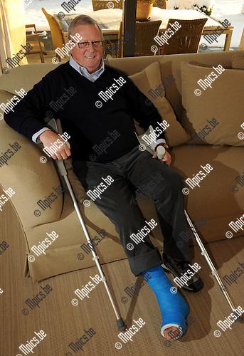 2010-12-20 / Voetbal / seizoen 2010-2011 / Berchem Sport / Guy De Beule, sportief verantwoordelijke..Foto: Mpics
