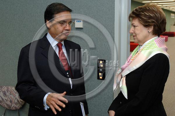 GENEVA - SWITZERLAND 11. 10. 2006 -- The World of Health IT. Mr. Sarbuland Khan, UN Global Alliance and Baroness Emma Nicholson -- PHOTO: GORM K. GAARE / EUP- IMAGES ..