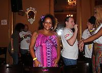 SAO PAULO, SP, 18 DE JANEIRO 2012. A cantora Graca Cunha, no esquenta para o Carnaval, no Bar Brahma, regiao central de SP, na noite desta quarta-feira, 18. FOTO MILENE CARDOSO - NEWS FREE
