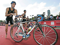 22 JUL 2007 - LONDON, UK - Richard Stannard - Corus Elite Triathlon Series. (PHOTO (C) NIGEL FARROW)