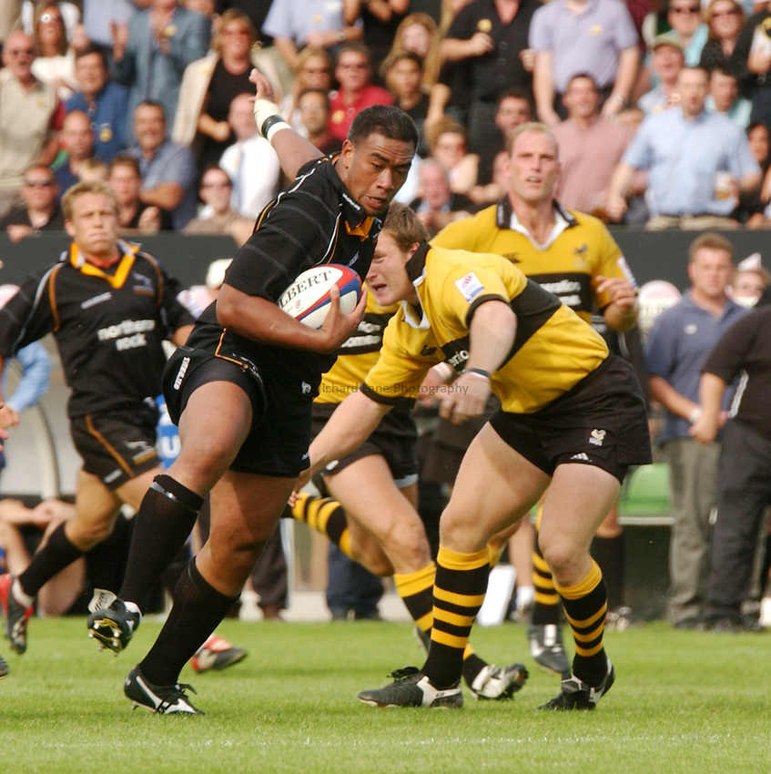 Photo. Jed Wee.Newcastle Falcons v London Wasps, Zurich Premiership, Kingston Park, Newcastle. 1-9-2002..Newcastle's Epi Taione.