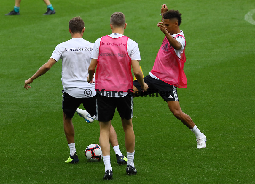 Thilo Kehrer (Deutschland Germany) greift an - 15.10.2018: Abschlustraining Deutschland vor dem Spiel Frankreich vs. Deutschland, 4. Spieltag UEFA Nations League, Stade de France, DISCLAIMER: DFB regulations prohibit any use of photographs as image sequences and/or quasi-video.