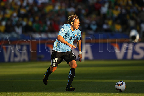 Diego Forlan (URU), .JUNE 22, 2010 - Football : 2010 FIFA World Cup South Africa Group Match -Group A- between Mexico 0-1 Uruguay .at Royal Bafokeng Stadium, Rustenburg, South Africa. .