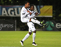 BOGOTA - COLOMBIA - 2-10-2015: Johan Arango jugador del Once Caldas celebra su gol contra La Equidad durante partido  por la fecha 15 de la Liga Aguila II 2015 jugado en el estadio Metropolitano de Techo. / Johan Arango player of Once Caldas   celebrates his goal against of Equidad during a match for the fifteen date of the Liga Aguila II 2015 played at Metroplitano de Techo  stadium in Bogota city. Photo: VizzorImage / Felipe Caicedo / Staff.