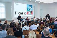 """Die Ausstellung """"Picasso. Das spaete Werk"""" wird vom 9. Maerz bis 16. Juni 2019 im Potsdamer Museum Barberini gezeigt.  Alle Leihgaben, Gemaelde, Keramiken, Skulpturen und Graphiken von Pablo Picasso (1881–1973), stammen aus der Sammlung Jacqueline Picasso (1927–1986).<br /> In der von Gastkurator Bernardo Laniado-Romero (im Bild) getroffenen Auswahl befinden sich zahlreiche Werke, die erstmalig in Deutschland gezeigt werden sowie einige, die zum ersten Mal in einem Museum praesentiert werden.<br /> 7.3.2019, Potsdam<br /> Copyright: Christian-Ditsch.de<br /> [Inhaltsveraendernde Manipulation des Fotos nur nach ausdruecklicher Genehmigung des Fotografen. Vereinbarungen ueber Abtretung von Persoenlichkeitsrechten/Model Release der abgebildeten Person/Personen liegen nicht vor. NO MODEL RELEASE! Nur fuer Redaktionelle Zwecke. Don't publish without copyright Christian-Ditsch.de, Veroeffentlichung nur mit Fotografennennung, sowie gegen Honorar, MwSt. und Beleg. Konto: I N G - D i B a, IBAN DE58500105175400192269, BIC INGDDEFFXXX, Kontakt: post@christian-ditsch.de<br /> Bei der Bearbeitung der Dateiinformationen darf die Urheberkennzeichnung in den EXIF- und  IPTC-Daten nicht entfernt werden, diese sind in digitalen Medien nach §95c UrhG rechtlich geschuetzt. Der Urhebervermerk wird gemaess §13 UrhG verlangt.]"""
