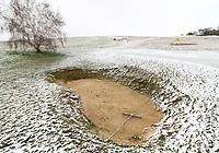 MAR 17 Royston Heath in the Snow