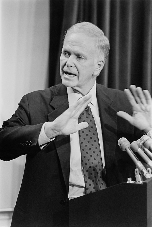 Sen. Bob Packwood, R-Ore., giving a speech. June 1994 (Photo by Chris Martin//CQ Roll Call)