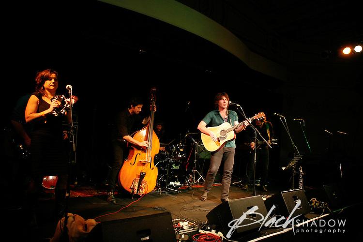 James McCann performing at the Winterlong Benefit Concert for the Sophia Mundie Steiner School, held at the Thornbury Theatre, 30 August 2009.