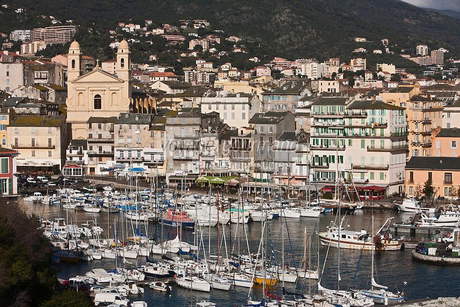 Europe/France/Corse/2B/Haute-Corse/Cap Corse/Bastia: Le Vieux port et l'église Saint-Jean Baptiste