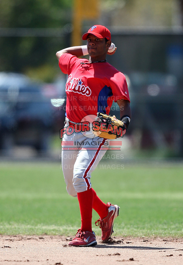March 30, 2010:  Shortstop Carlos Perdoma of the Philadelphia Phillies organization during Spring Training at the Carpenter Complex in Clearwater, FL.  Photo By Mike Janes/Four Seam Images
