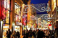 Kerst  in de Kalverstraat in Amsterdam