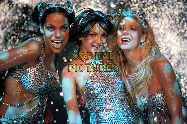 ROSARIO DAWSON, RACHAEL LEIGH COOK & TARA REID.in Josie and the Pussycats.Filmstill - Editorial Use Only.Ref: 10829AW.www.capitalpictures.com.sales@capitalpictures.com.Supplied By Capital Pictures.