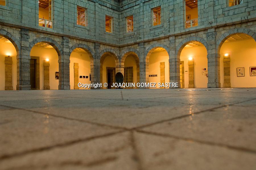 .Vista del patio interior del parlamento de Cantabria..FOTO JOAQUIN GOMEZ SASTRE ©.