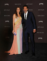 Model Michelle Alves (L) and talent manager Guy Oseary attend 2018 LACMA Art + Film Gala at LACMA on November 3, 2018 in Los Angeles, California.      <br /> CAP/MPI/IS<br /> &copy;IS/MPI/Capital Pictures