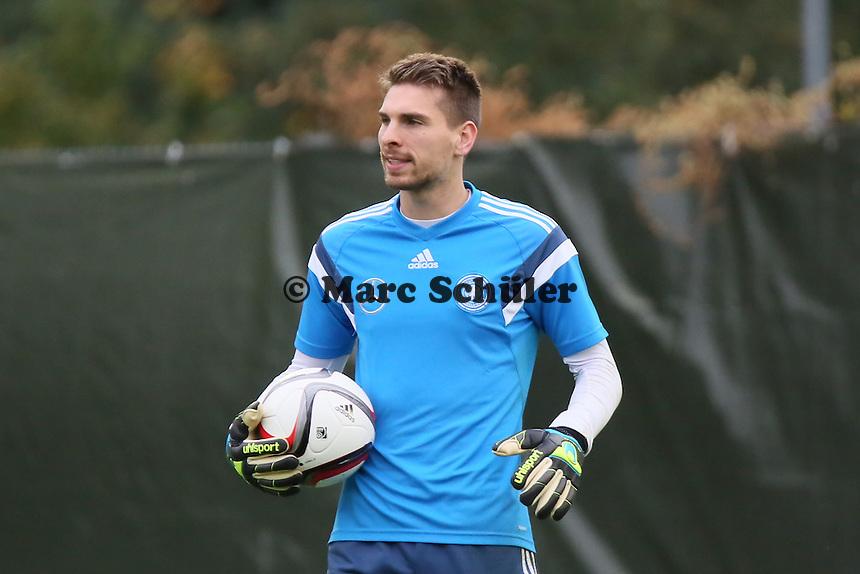 Ron Robert Zieler - Training der Deutschen Nationalmannschaft in Frankfurt
