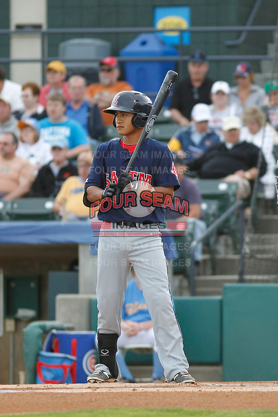 Salem Red Sox infielder Tzu-Wei Lin (17) at bat during a game against the Myrtle Beach Pelicans at Ticketreturn.com Field at Pelicans Ballpark on May 5, 2015 in Myrtle Beach, South Carolina.  Myrtle Beach defeated Salem  5-2. (Robert Gurganus/Four Seam Images)