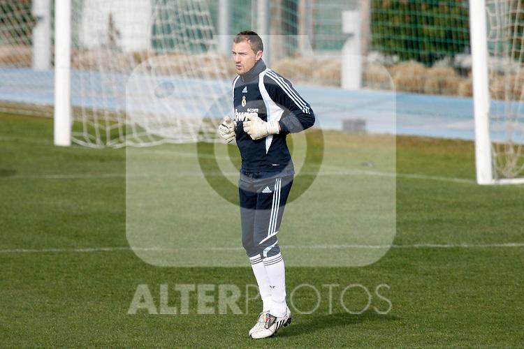 Madrid (02/03/10).-Entrenamiento del Real Madrid..Jerzy Dudek...© Alex Cid-Fuentes/ ALFAQUI..Madrid (02/03/10).-Training session of Real Madrid c.f..Jerzy Dudek...© Alex Cid-Fuentes/ ALFAQUI.