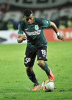 BOGOTA - COLOMBIA -27 -01-2015: Farid Diaz, jugador de Atletico Nacional, en accion durante partido de vuelta entre Independiente Santa Fe y Atletico Nacional por la Super Liga 2015, en el estadio Nemesio Camacho El Campin de la ciudad de Bogota.  / Farid Diaz, player of Atletico Nacional, in action during the match between Independiente Santa Fe and Atletico for the second leg of the Super Liga 2015 at the Nemesio Camacho El Campin Stadium in Bogota city. Photo: VizzorImage / Luis Ramirez / Staff.