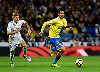 Real Madrid's Toni Kroos and UD Las Palmas' Vicente Gomez  during La Liga match. November 5,2017. (ALTERPHOTOS/Inma Garcia)