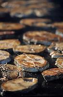 Europe/France/Aquitaine/64/Pyrénées-Atlantiques/Saint-Jean-de-Luz: Grillades de thon lors de la fête du thon