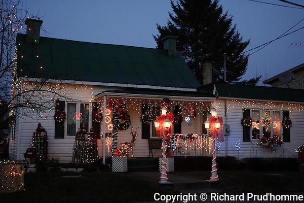 House Christmas lights in Saint-Ligouri, Quebec