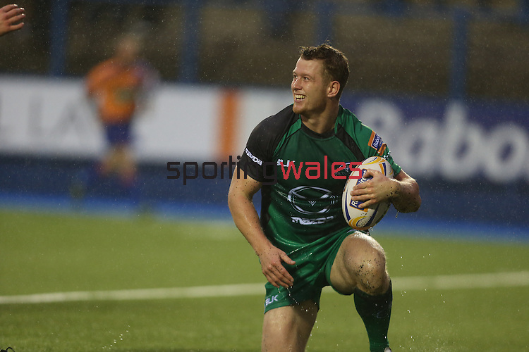 Connacht wing Matt Healy bursts through to score the first try of the match.<br /> RaboDirect Pro 12<br /> Cardiff Blues v Connacht<br /> Cardiff Arms Park<br /> 13.09.13<br /> <br /> ©Steve Pope-SPORTINGWALES