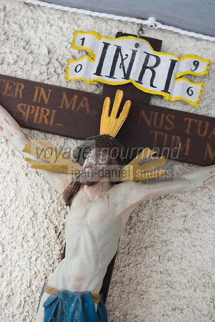 """Europe/Italie/Trentin Haut-Adige/Dolomites/Alta Badia/env de San Cassiano/Pedraces: détail du Christ a l'entrée de la terrasse  de   Auberge de Montagne   """"Maso Runch Hof"""""""