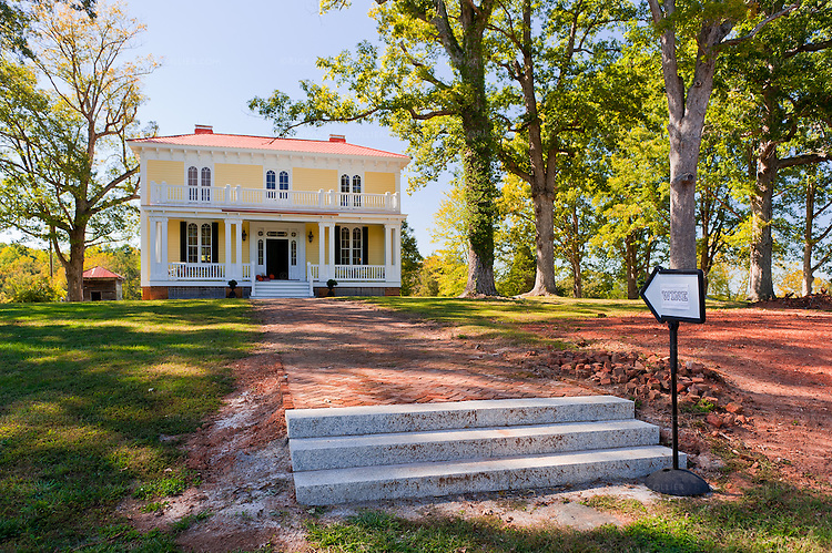 A sign marks the way to the tasting room inside the historic estate home at Annefield Plantation.