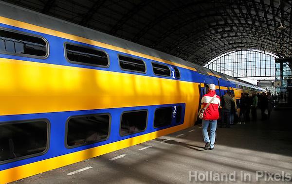 Dubbeldekker trein in Haarlem