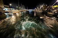 Riviera adriatica, Bellaria, pesca nel mare adriatico, con pescherecci e reti, uscita dal porto,