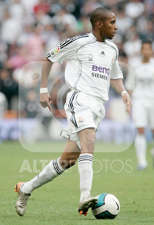 Real Madrid's Robinho during Spain's La Liga match between Real Madrid and Deportivo de La Coruna at Santiago Bernabeu stadium in Madrid, Sunday May 26, 2007. (ALTERPHOTOS/Alvaro Hernandez).
