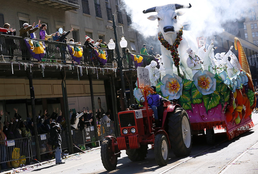 NEW ORLEANS, LOUISIANA - FEBRUARY 9, 2016:  Krewe of Rex parades down St. Charles Avenue during Mardi Gras day on February 9, 2016 in New Orleans, Louisiana. Fat Tuesday, or Mardi Gras in French, is a celebration traditionally held before the observance of Ash Wednesday and the beginning of the Christian Lenten season. (Photo by Jonathan Bachman/Getty Images)