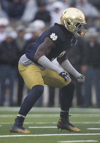 October 04, 2014:  Notre Dame linebacker Jaylon Smith (9) during NCAA Football game action between the Notre Dame Fighting Irish and the Stanford Cardinal at Notre Dame Stadium in South Bend, Indiana. Notre Dame defeated Stanford 17-14.