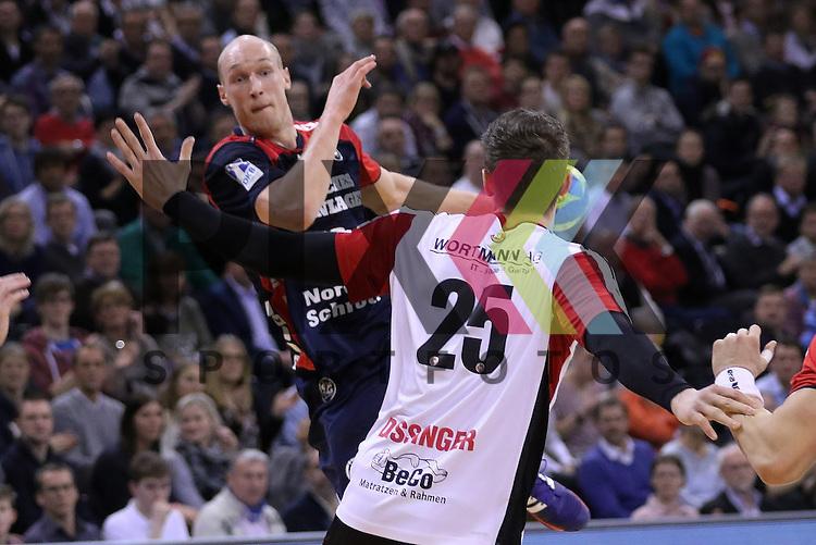 Flensburg, 25.02.15, Sport, Handball, DKB Bundesliga, 20. Spieltag, SG Flensburg-Handewitt - TuS N-L&uuml;bbecke : Johan Jakobsson (SG Flensburg-Handewitt, #19), Christian Dissinger (TuS N-L&uuml;bbecke, #25)<br /> <br /> Foto &copy; P-I-X.org *** Foto ist honorarpflichtig! *** Auf Anfrage in hoeherer Qualitaet/Aufloesung. Belegexemplar erbeten. Veroeffentlichung ausschliesslich fuer journalistisch-publizistische Zwecke. For editorial use only.