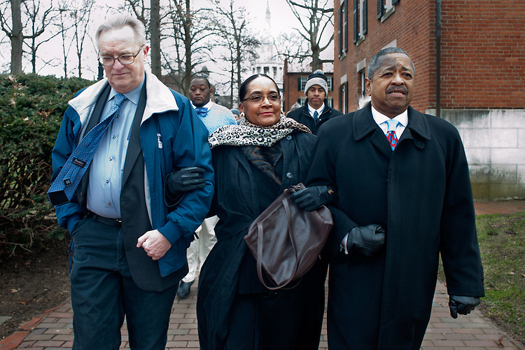 Athens Mayor Paul Wiehl (left), OU first lady Deborah McDavis (center) and OU presidetn Roderick McDavis (rigth) participate int eh 13th annual Alpha Phi Alpha silent march held in honor of Dr. Martin Luther King. Photo by: Ross Brinkerhoff