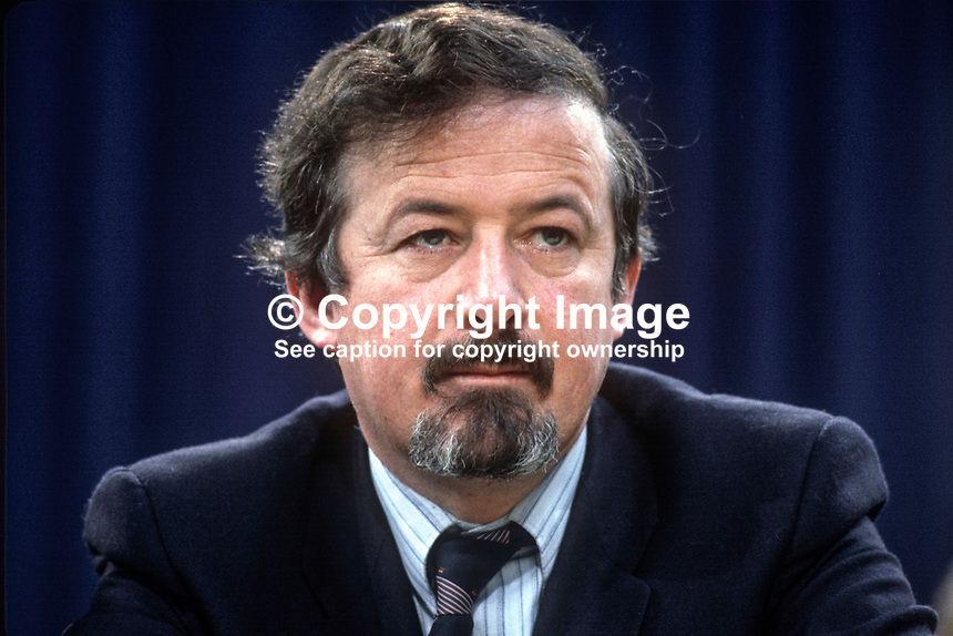 Micahel J Cosgrave, TD, Fine Gael, political party, Rep of Ireland, on platform at his party's annual conference, aka Ard Fheis. 198103000067MJC1..Copyright Image from Victor Patterson, 54 Dorchester Park, Belfast, United Kingdom, UK...For my Terms and Conditions of Use go to http://www.victorpatterson.com/Victor_Patterson/Terms_%26_Conditions.html