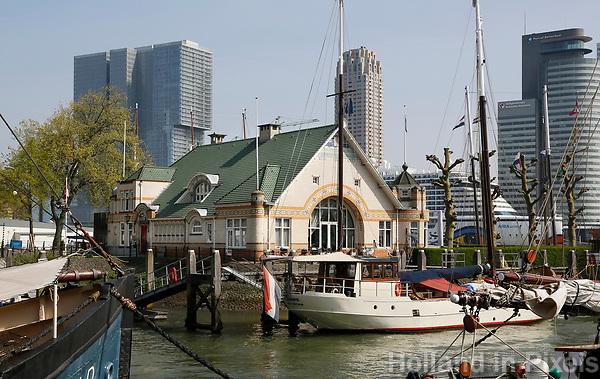Nederland Rotterdam   2017.  De Veerhaven is een haven in het centrum van Rotterdam, aan de rivier de Nieuwe Maas. Het is de thuis- en passantenhaven voor zeegaande zeilschepen met een historisch karakter en is tevens passantenhaven voor zeilende binnenvaartschepen en zeegaande jachten.    Foto Berlinda van Dam / Hollandse Hoogte