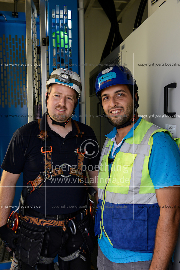 TURKEY Silivri, wind farm of Eksim Holding with Nordex wind turbines  / TUERKEI Silivri, Windpark der Eksim Holding mit Nordex Windkraftanlagen, Serviceteam, Gülhan Gül u. Mustafa Özer