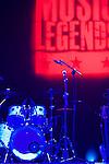 Actuación de Steve Cropper en la Sala BBK con los legendarios Animals,Mickey Gallagher (piano) y John Steel (on drums)..Steve Cropper show in BBK with the legendary group The Animals,Mickey Gallagher (piano) and John Steel (on drums).