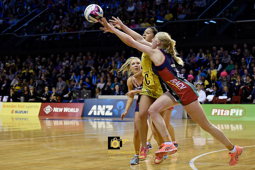 Pulse's Samon Nathan and Vixens' Jo Weston in action during the ANZ Championship - Central Pulse v Vixens at TSB Bank Arena, Wellington, New Zealand on Monday 4 July 2016. <br /> Photo by Masanori Udagawa. <br /> www.photowellington.photoshelter.com.