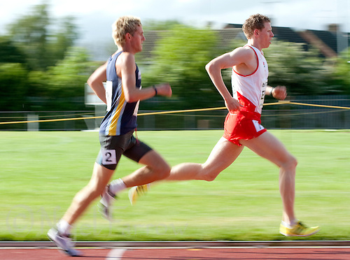 17 MAY 2009 - LOUGHBOROUGH,GBR - Andy Vernon (right) leads Jonny Mellor - Mens 3000m - Loughborough International Athletics (PHOTO (C) NIGEL FARROW)